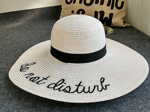 Štýlové, elegantné, ľahké, presne také sú dámske letné klobúky z aliexpressu